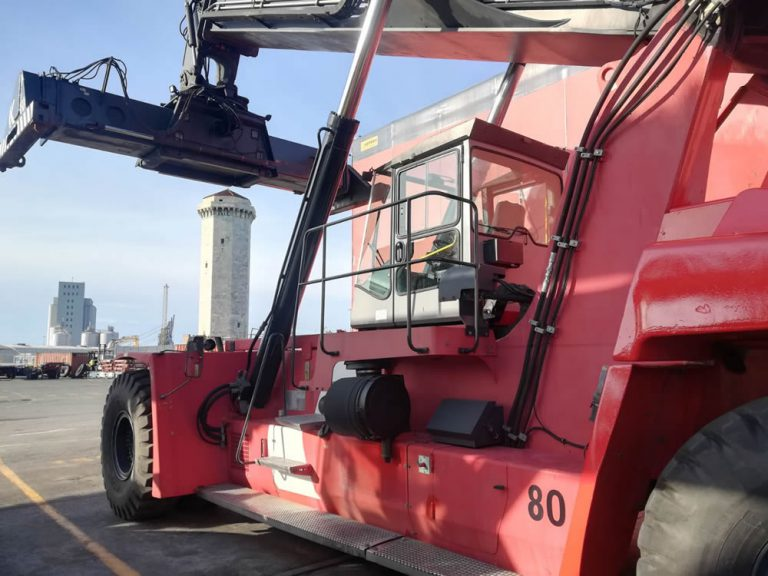 RS255<br>Kalmar DRF45065-S5 <br>Year: 2011<br>Hours: 16000