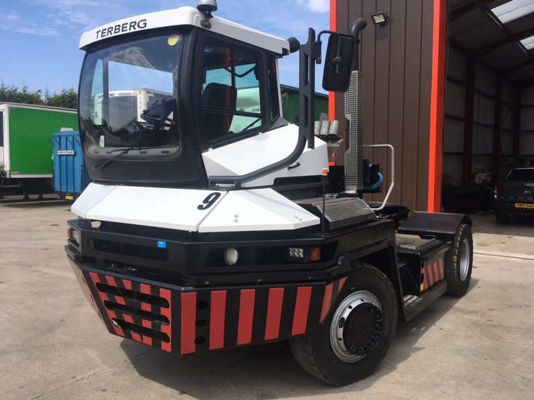 TRA286<br>TERBERG RT222 TRACTOR <br>Year: 2010<br>Hours: 4000