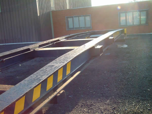 TME110<br>40′ Fixed Frame  <br>Capacity: 30T – For Forks