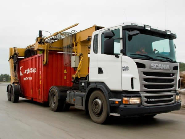 TME114<br>Lamtec Container Mover 2 Available  <br>Year: 2010<br>Hours: 6800