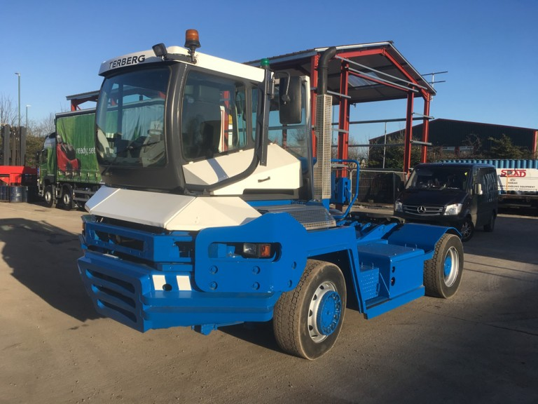 TRA119<br>TERBERG RT222 TRACTOR <br>Year: 2008<br>Hours: 16980