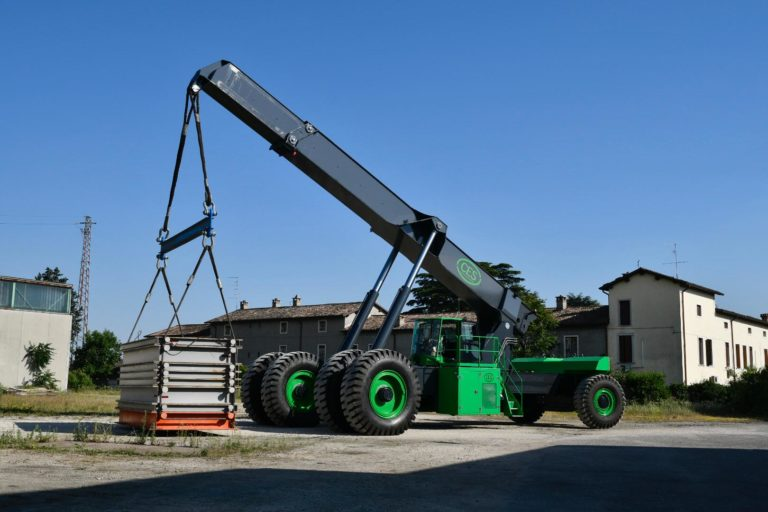 JULY 2019: TESTING OF THE 180T REACHSTACKERS FOR TAIWAN