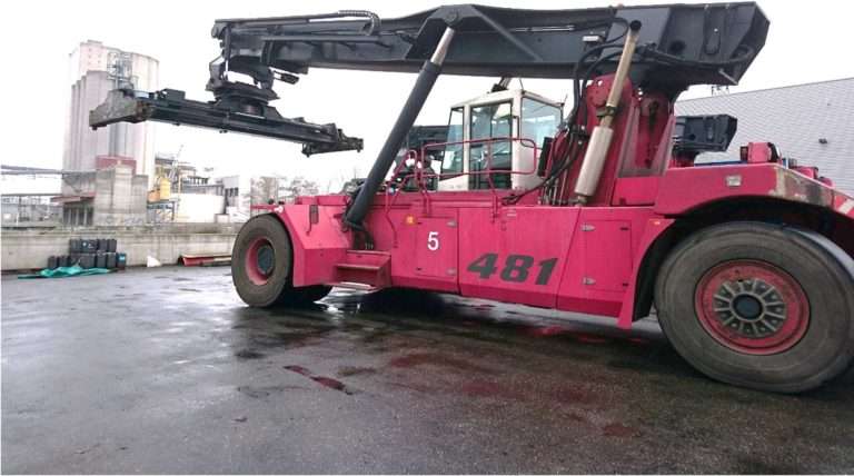 RS293<br>CVS Ferrari F481/2 <br>Year: 2009<br>Hours: 16900