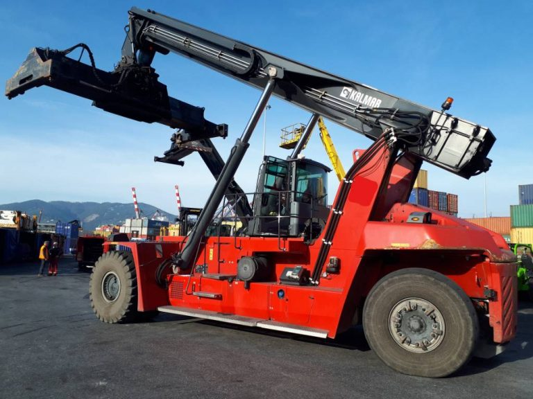 RS302<br>Kalmar DRG45065S5<br>Year: 2015<br>Hours: TBC